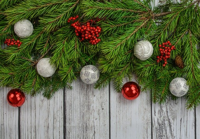 How to Celebrate the Holidays as an HOA