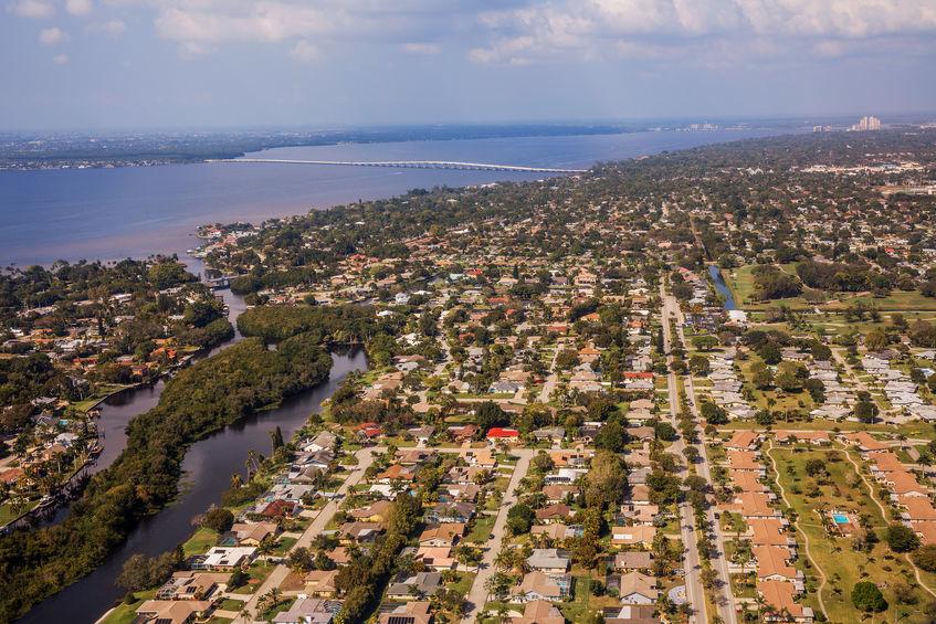 An image of a Florida neighborhood.